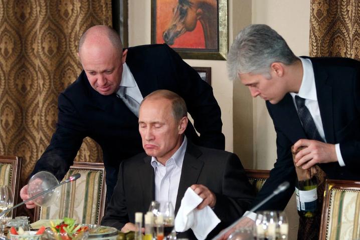 Russia meddling, Social Media