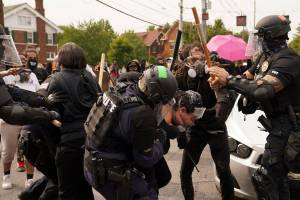 Violence in America, police shooting, Louisville, Breonna Taylor, wanton endangerment, protests