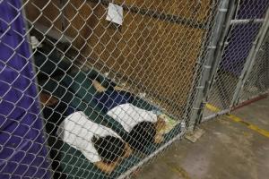 2014 photo of immigrant children
