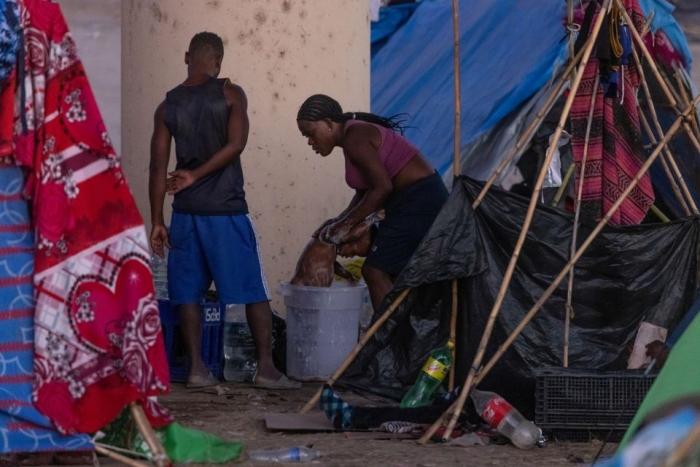 immigration, border expulsions, Haiti