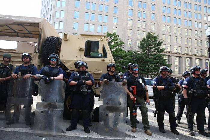 Violence in America, law enforcement, law and order, federal agents